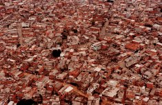 "Photo: Joao Wainer © / 03.03.2001 / Sao Paulo / Favela de Heliopolis, the biggest ""favela"" (gueto) of Sao Paulo with 150.000 people"